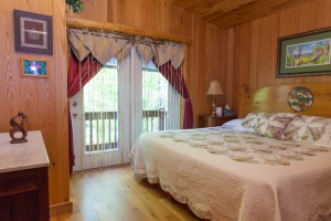 Heavenly Hideaway King-sized bed